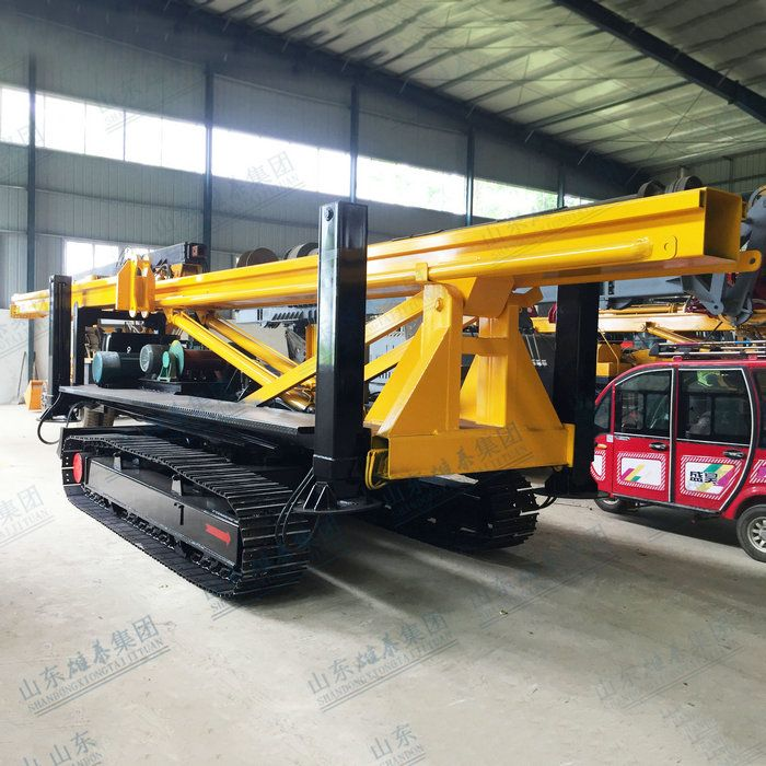 Crawler long screw pile driver