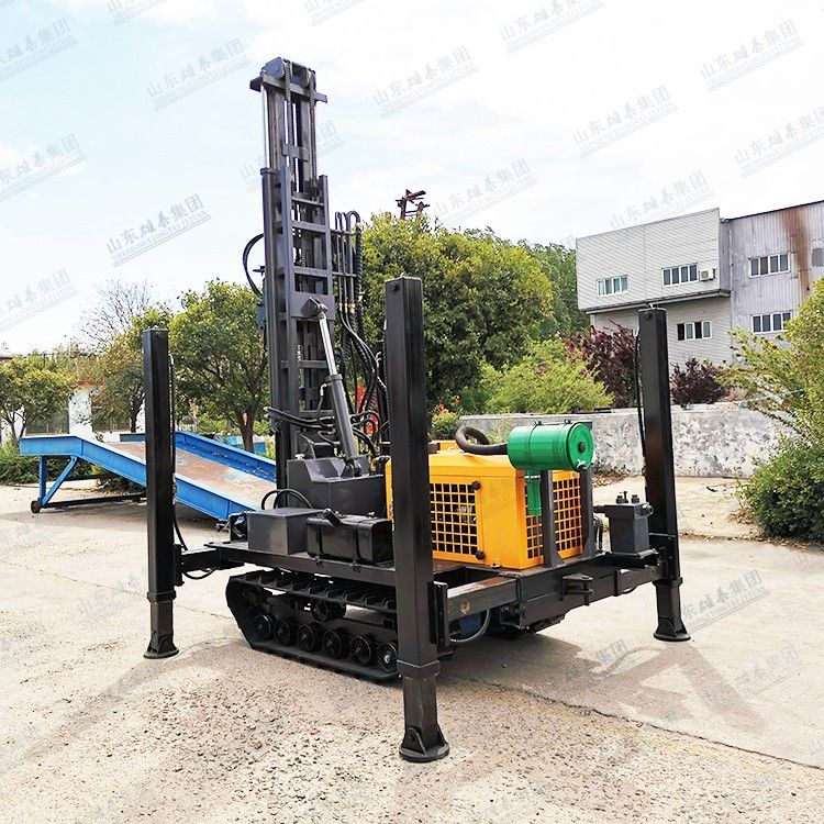 BZ-30TL pneumatic tracked earth collecting rig